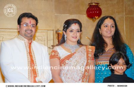 kavya-madhavan-wedding-reception-photos-88